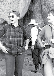 Jerrie Cowan leading a field trip given by the Heritage League in the early 1990s to what is now Tomo Kahni State Historic Park. Jerrie still volunteers at the Tomo Kahni Resource Center.